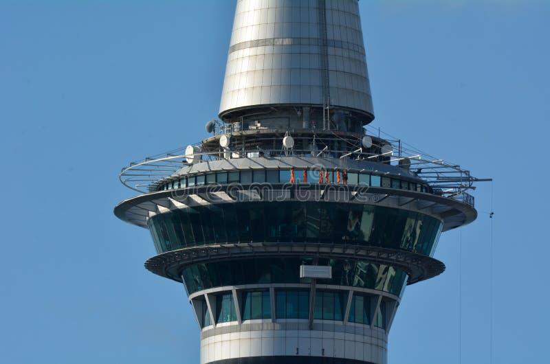 SkyWalk à la tour Nouvelle-Zélande de ciel d'Auckland image libre de droits