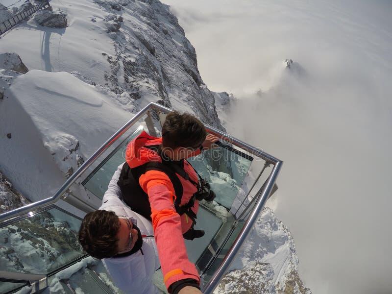 Skywalk au glacier de montagne de Dachstein, Styrie, Autriche image stock