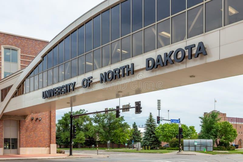 Skyway和入口对北达科他大学的校园  库存图片