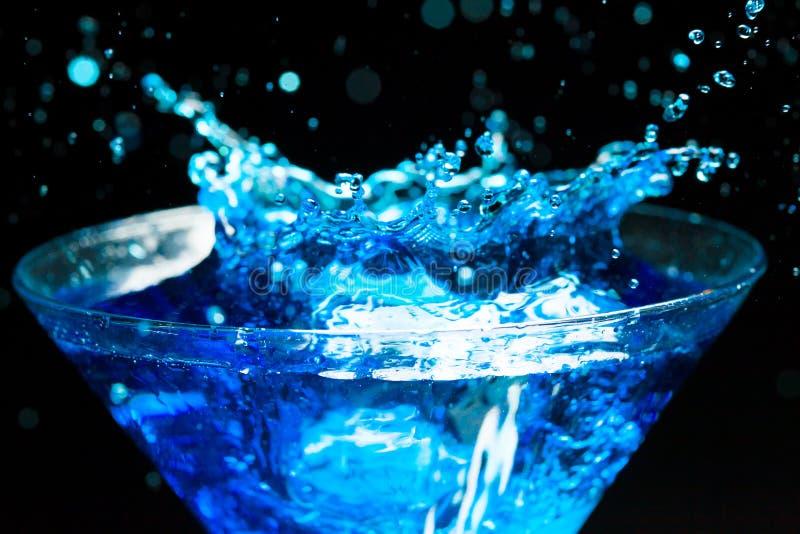 Plaska coctail för blått royaltyfri bild