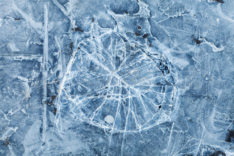 Slösa tonad makrobakgrundstextur av bruten is arkivbilder