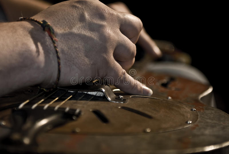 slösar gitarren royaltyfria bilder
