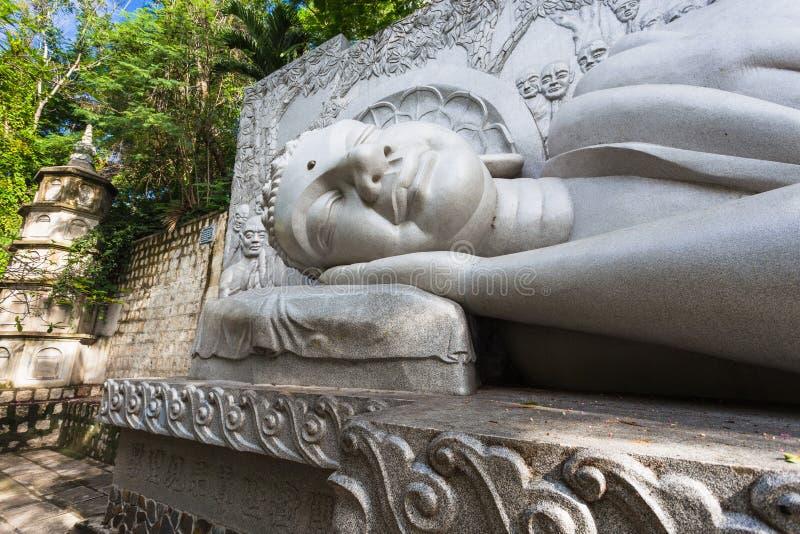 Slaap Boedha bij de Lange Zoonspagode in Nha Trang royalty-vrije stock foto's