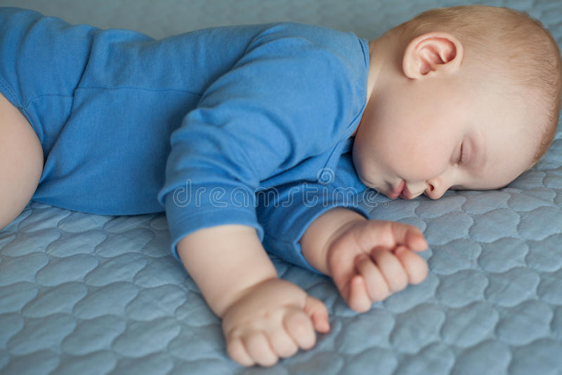 Slaapbaby, slaapzuigeling royalty-vrije stock fotografie