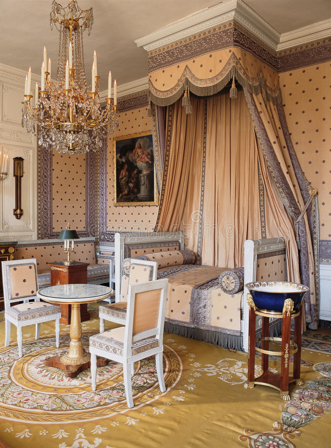 Slaapkamer In Het Paleis Van Versailles Stock Foto - Afbeelding ...