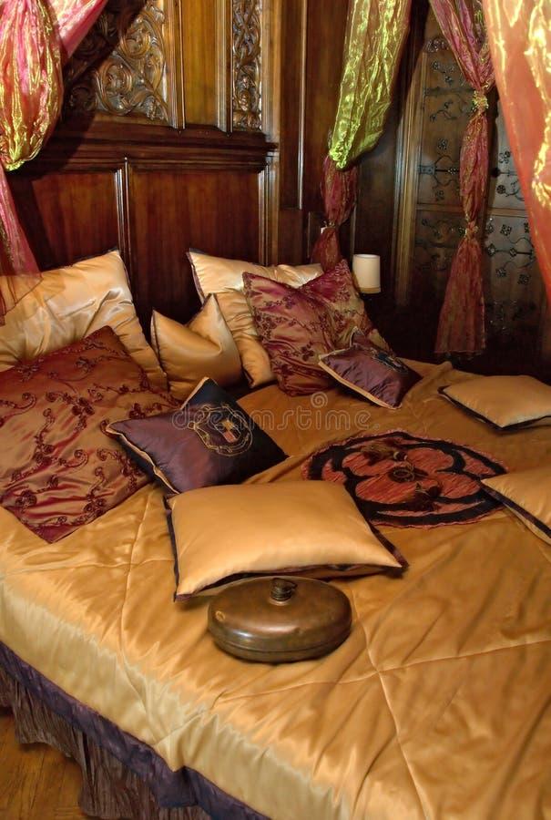 Slaapkamer in kasteel royalty-vrije stock fotografie