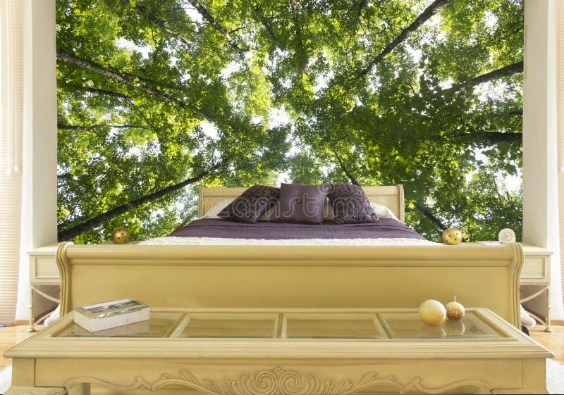 Slaapkamer met groot beeld royalty-vrije stock afbeelding