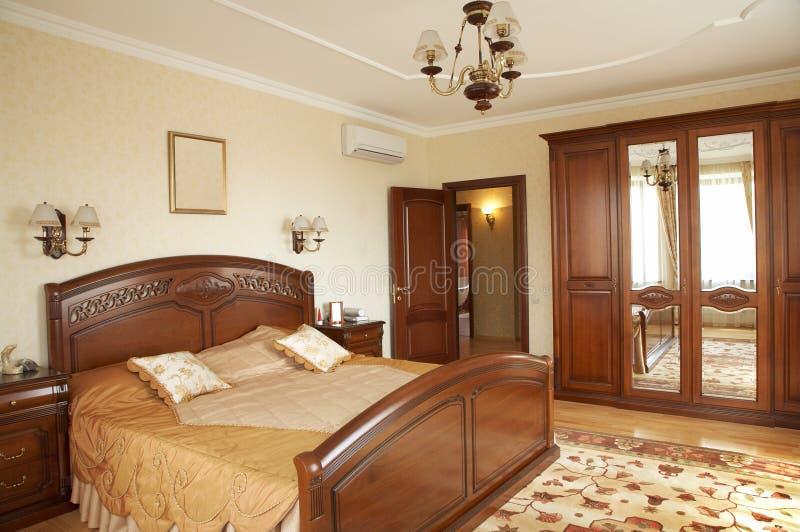 Slaapkamer met het veredelingsmiddel stock foto