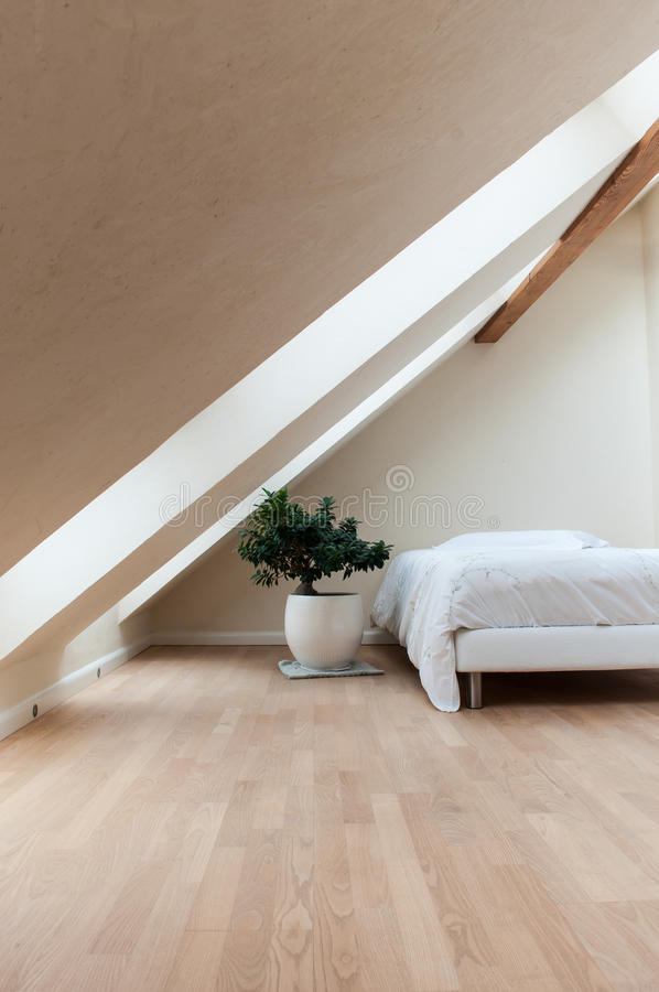 Slaapkamer met zen decoratieve bonsai royalty-vrije stock fotografie