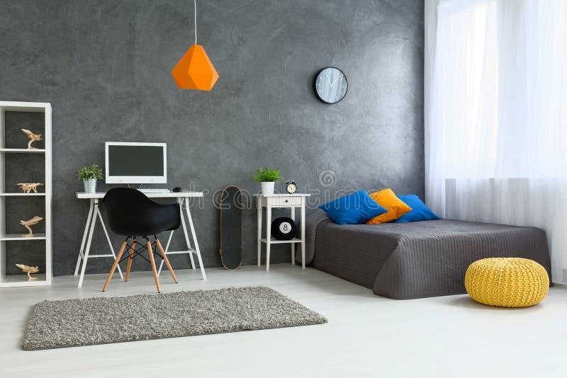 Slaapkamer Perfect Voor Tiener Stock Foto - Afbeelding bestaande uit ...