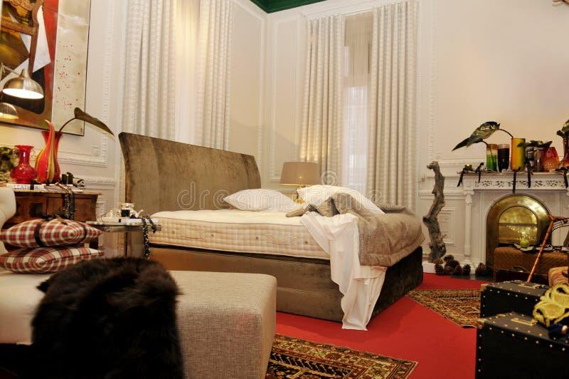 Slaapkamer in Rood stock foto