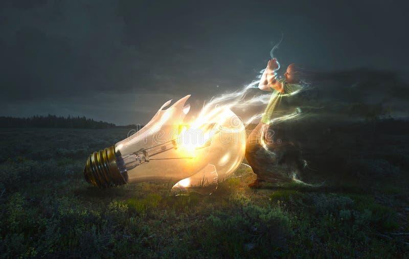 Slag tussen licht en duisternis stock afbeeldingen