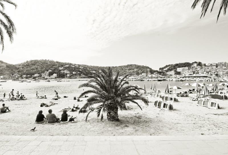 Slags solskydd för vit för Soller strandblått royaltyfri foto