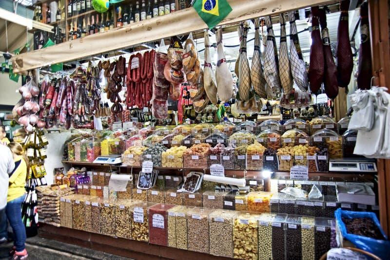 Slakt på Sao Paulo Central Market arkivbild