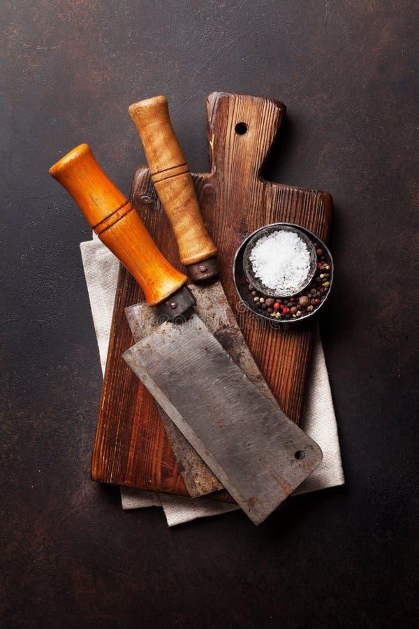 slaktare Tappningköttknivar och kryddor royaltyfri foto