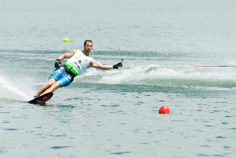 Slalom 2009 dos homens do copo de mundo de Putrajaya Waterski fotografia de stock royalty free