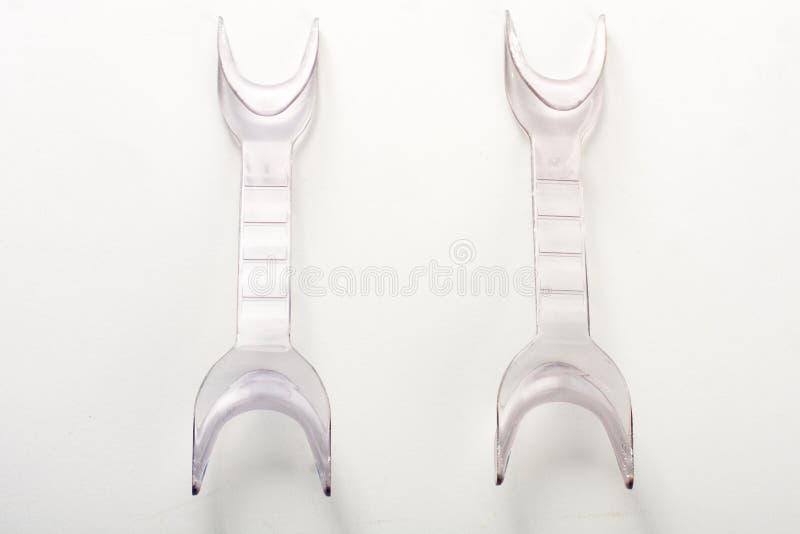 slappt silkespapper för retractors arkivfoton