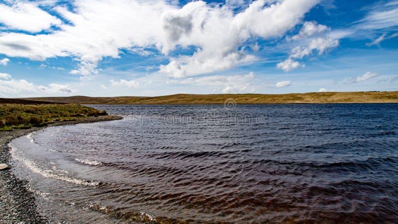 Slate湖岸北部威尔士 免版税库存照片
