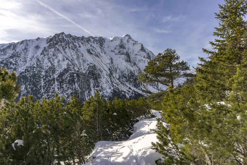 Slavkovsky szczyt w pięknej zimy scenerii Wysoki Tatrzański Mounta obrazy stock