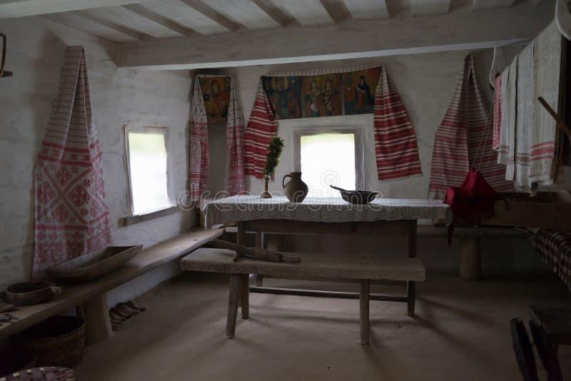 Slawisches Bauernhaus der alten Zeiten stockbilder
