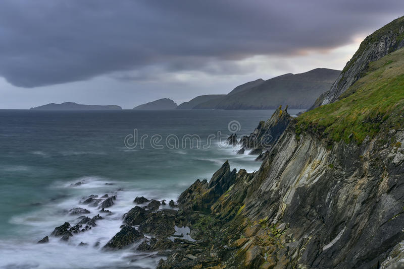 Slea dirige a península do Dingle, Kerry, Irlanda imagem de stock