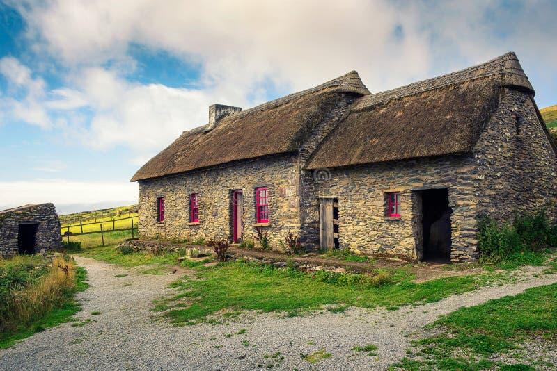 Slea głowy głodu chałupy w Irlandia zdjęcia royalty free