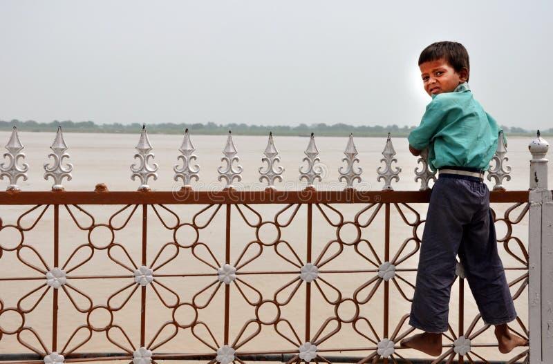 Slechte Indische jongen royalty-vrije stock afbeeldingen