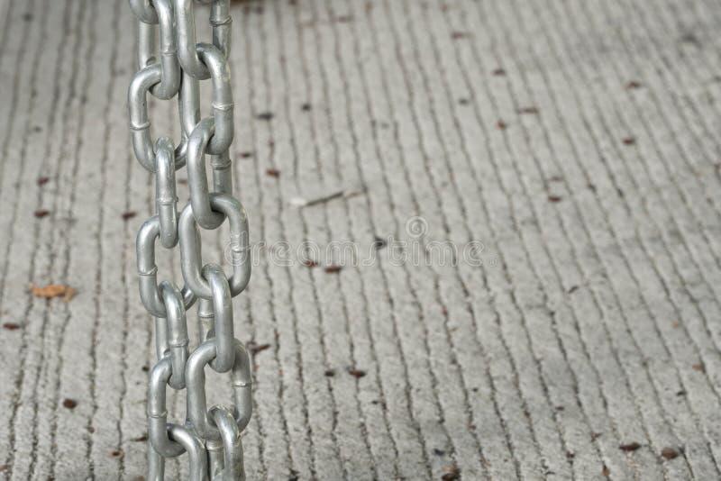 slective Fokussierung der metallischen Ketten stockbild