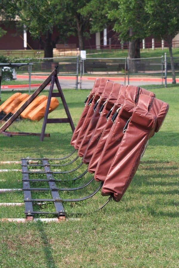 sled för utrustningfältfotboll arkivfoton