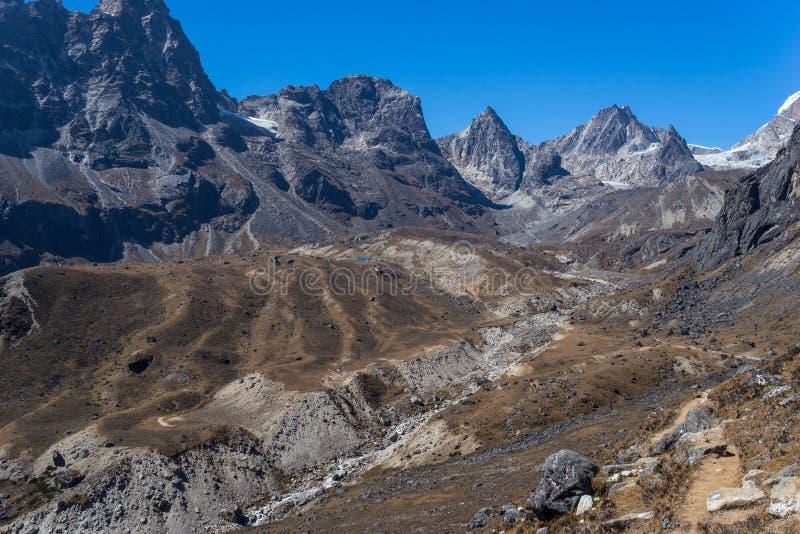 Sleep aan Dzongla-dorp en Chola-pas, Everest-gebied, Nepal stock foto's