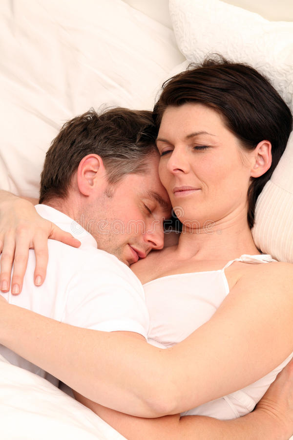 Free Sleeping Couple Royalty Free Stock Photography - 18559777