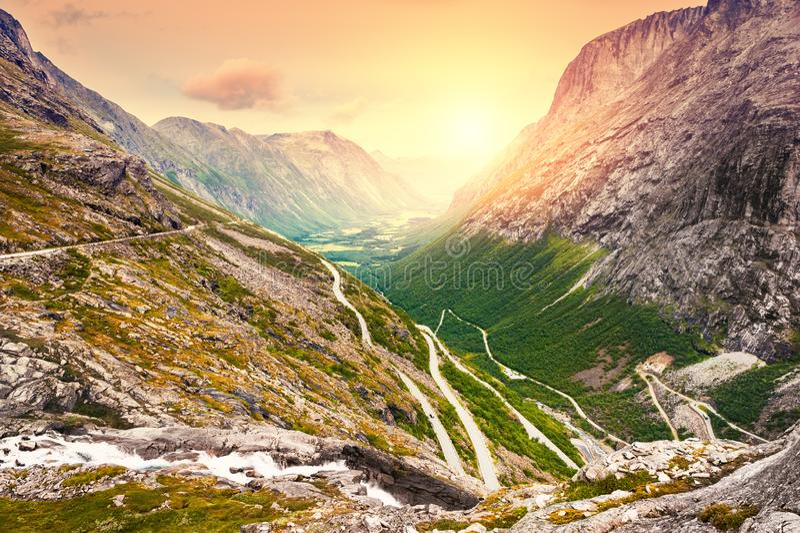 Sleeplijnweg, beroemde toeristische bestemming in Noorwegen royalty-vrije stock afbeelding