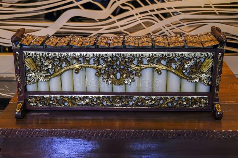 Slenthem Javanese traditionellt musikinstrument arkivbild