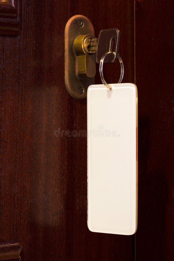 Sleutel in deurslot royalty-vrije stock foto's