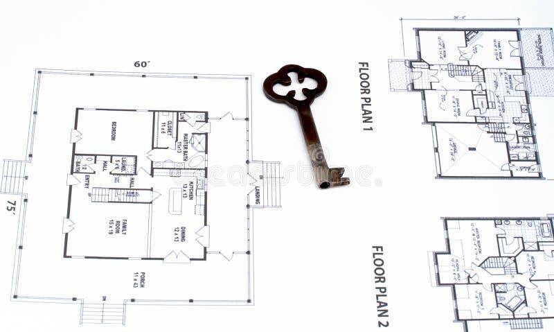 Sleutel op huisplan royalty-vrije stock foto