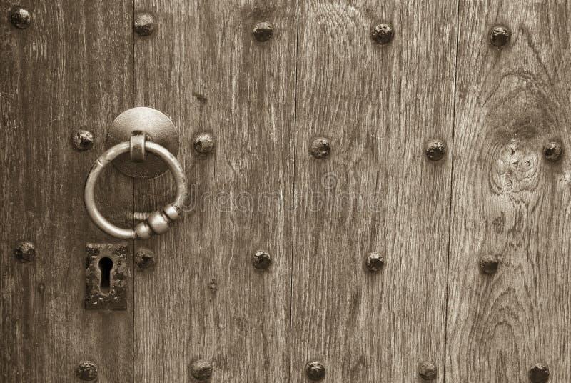 Sleutelgat in een houten deur royalty-vrije stock foto