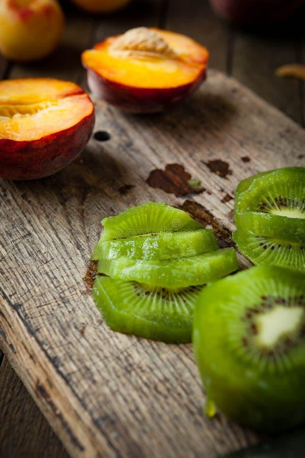 Free Sliced kiwi Fruit On A Cutting Board Stock Image - 31979661