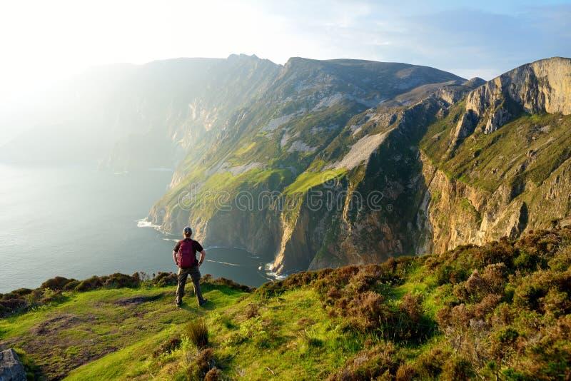 Slieve同盟,Irelands公海峭壁,位于沿这条壮观的肋的驾驶的路线的南西部Donegal ?? 库存照片