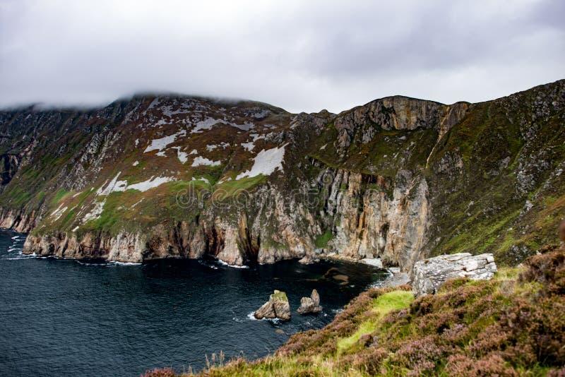 Slieve-Liga-Klippen, Grafschaft Donegal, Irland stockbilder