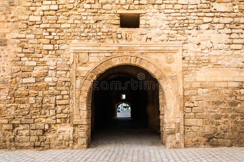 Slifa Kahla, старинные ворота города Mahdia, Туниса стоковое фото rf