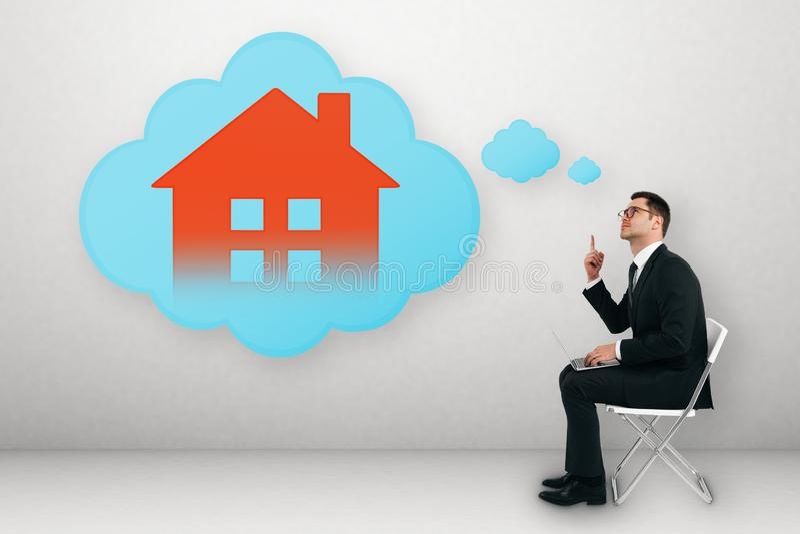 Slim huis en app concept royalty-vrije stock afbeelding