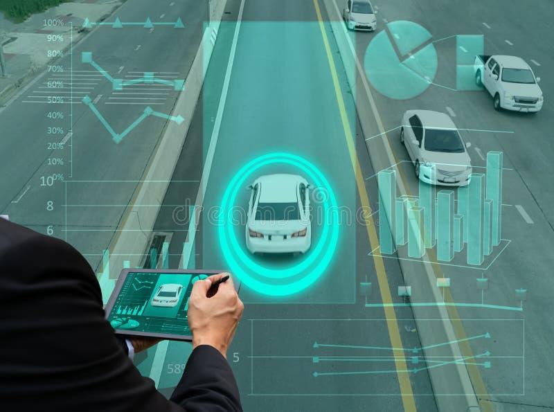 Slimme auto voor het intelligente zelf drijven van controle en het volgen met stock afbeelding