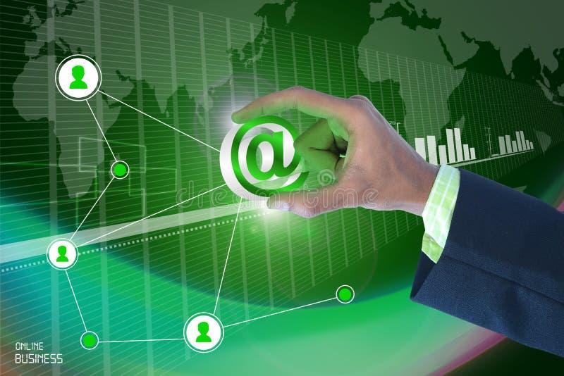 Slimme hand die e-mailteken tonen royalty-vrije illustratie