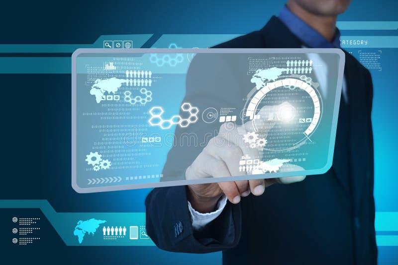 Slimme hand die futuristische technologie tonen stock afbeelding