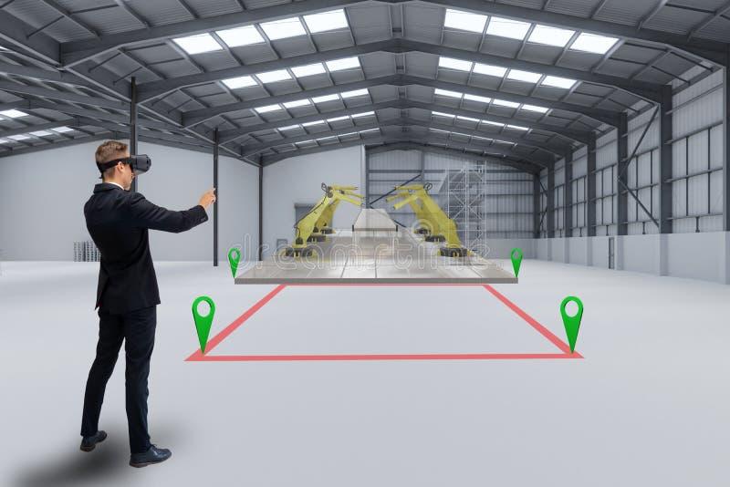 Slimme productie, industrie 4 0,5 0 technologieconcept, de mens gebruikt verhoogde gemengde virtuele-reality-technologie om te be royalty-vrije stock fotografie