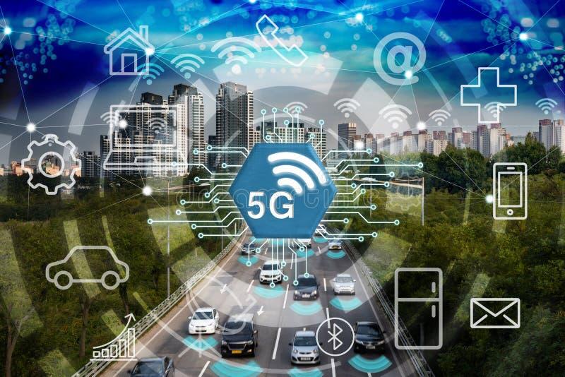 Slimme stad en 5G netwerk, draadloos communicatienetwerk, abstracte visuele afbeelding stock afbeeldingen
