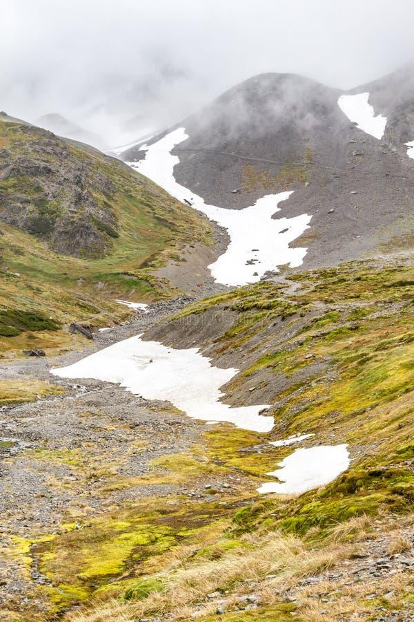 Slinga i den krigs- glaciären royaltyfri bild