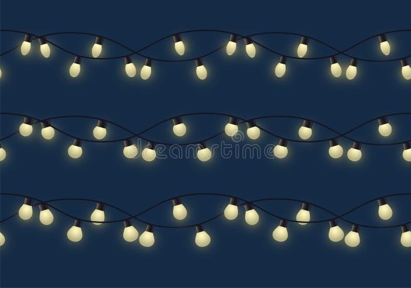 Slinger met verschillende bollen met gloed, verschillende decoratieve lichte slinger op donkere lampen als achtergrond, footer en royalty-vrije illustratie