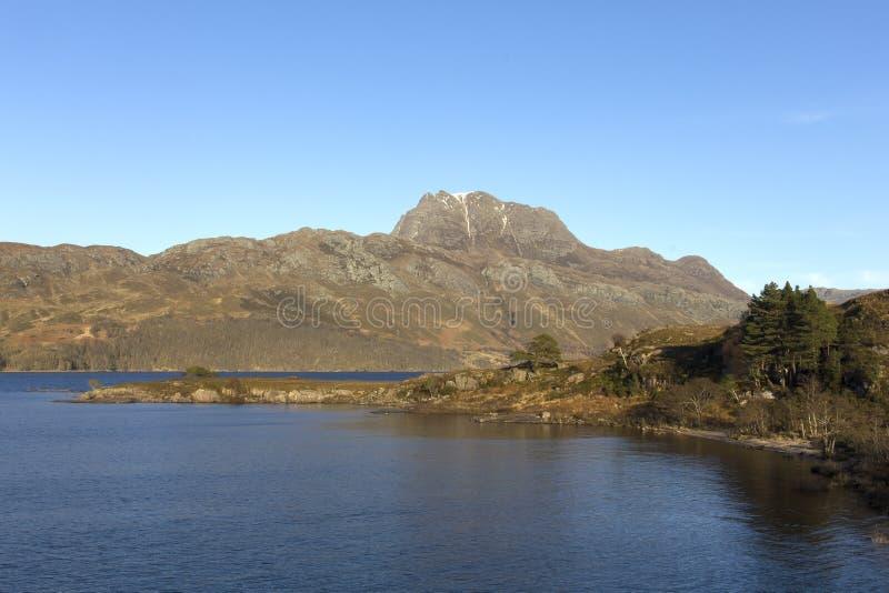 Slioch och fjord Maree Wester Ross Scotland arkivfoto
