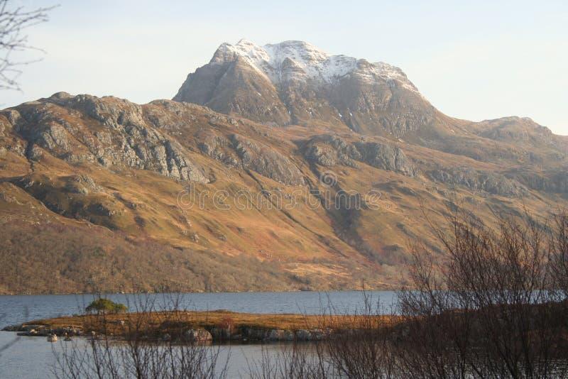 Slioch und Loch Maree, Slioch und Loch Maree, Nordwesthochländer von Schottland lizenzfreies stockfoto